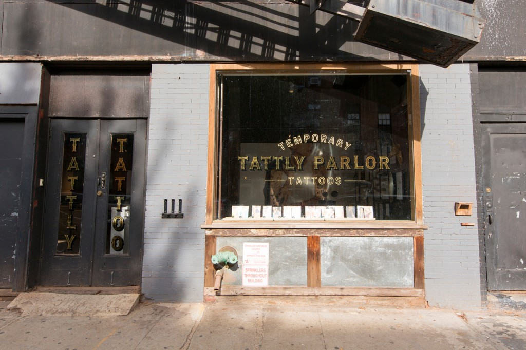 Tattly-Temporary-Tattoo-Parlor-1